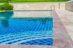 How to Add Liquid Chlorine to Pool